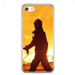Etui na telefon iPhone 5 / 5s - strażak w akcji.