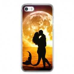 Etui na telefon iPhone 5 / 5s - romantyczny pocałunek.