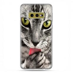 Samsung Galaxy S10e - etui na telefon z grafiką - Kot liżący łapę